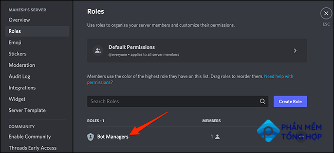 Select a user role on Discord.