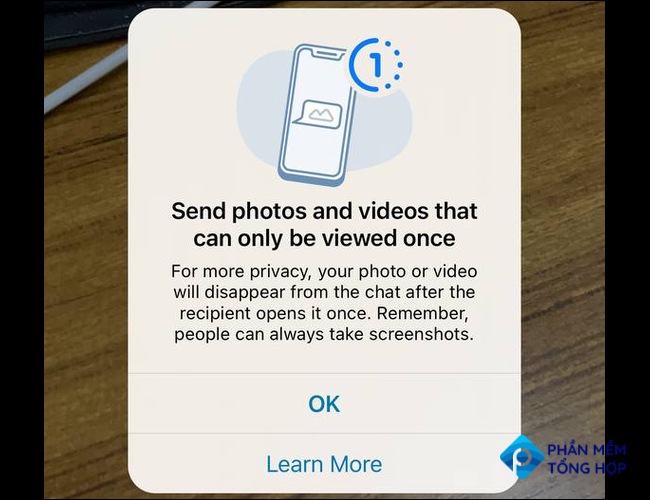 A WhatsApp pop-up which tells you that you're about to send a disappearing photo or video.