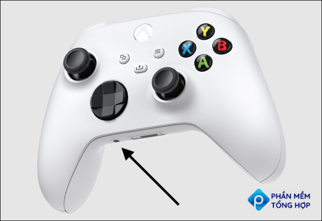 Location of the audio jack on a Xbox Series X S Controller