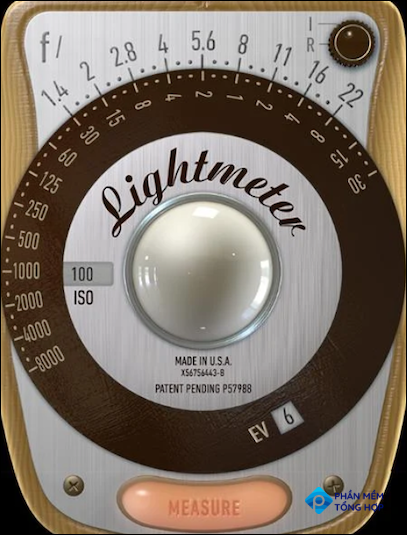 App display mimics older light meters and includes shutter speed, aperture, and ISO settings.